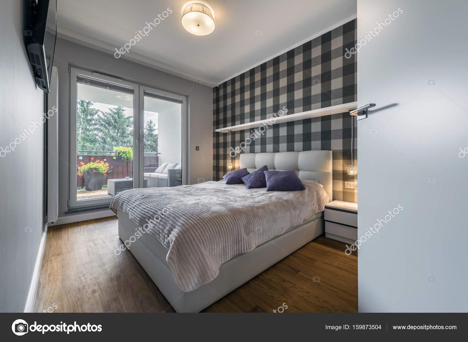 Chambre Moderne Avec Modèle Checker Sur Le Mur Et La Grande Fenêtre U2014 Image  De ...