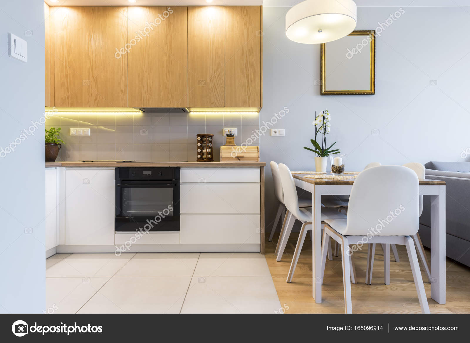 cocina de moderno diseño interior — Foto de stock © jacek_kadaj ...