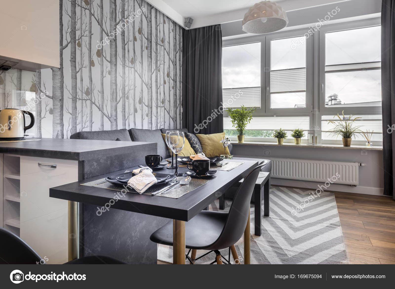 Met Keuken Kleine : Moderne kleine kamer met keuken u stockfoto jacek kadaj