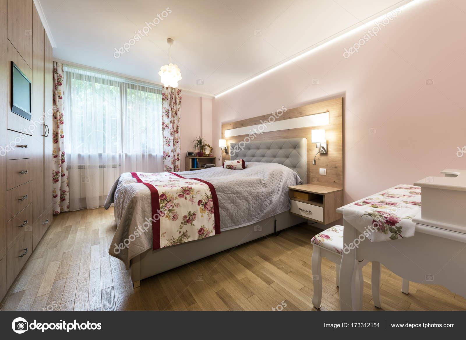 Diseño de interiores de dormitorios con estilo — Foto de stock ...