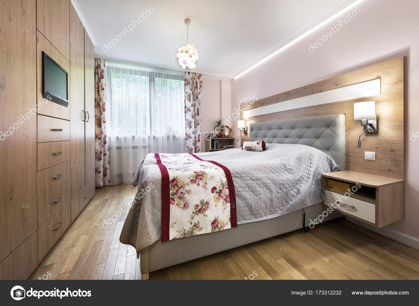 Diseño de interiores de dormitorios con estilo — Fotos de Stock ...