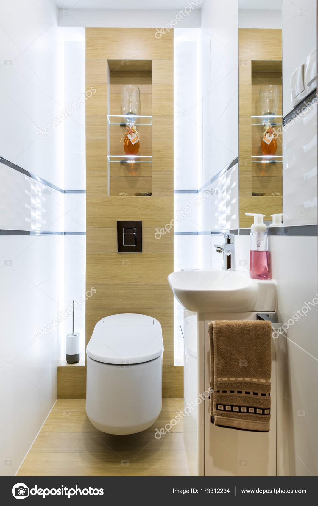 ba o modernos peque os fotos de stock jacek kadaj 173312234. Black Bedroom Furniture Sets. Home Design Ideas