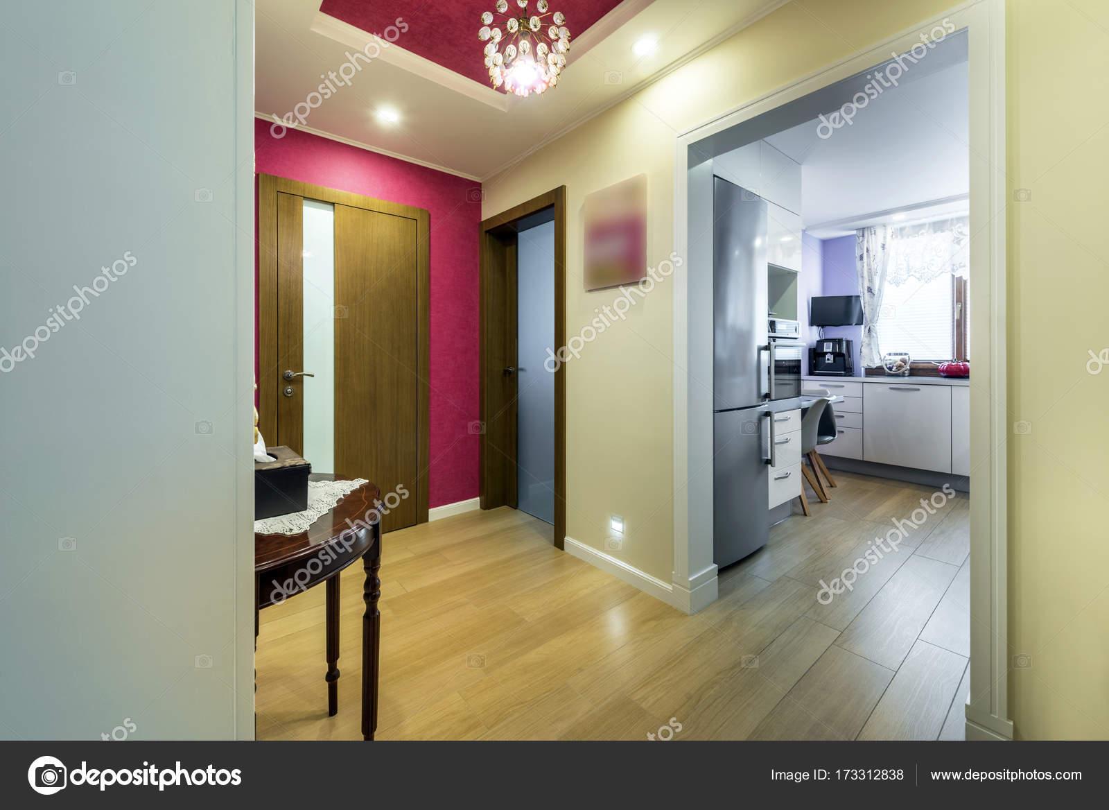 Modernes Haus im retro-Stil — Stockfoto © jacek_kadaj #173312838