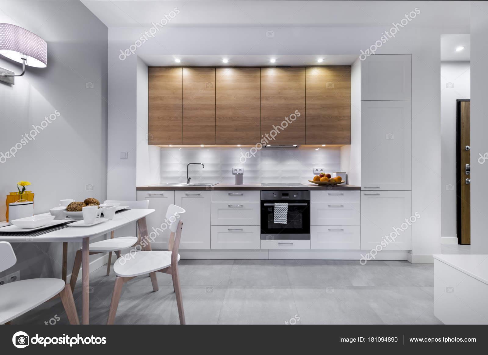 Arredamento cucina moderna — Foto Stock © jacek_kadaj #181094890