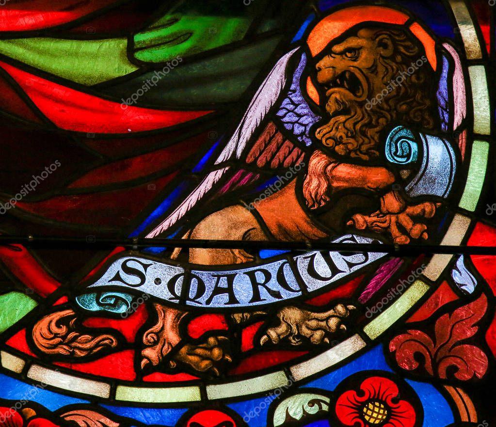 Vidrieras de San Marcos Evangelista — Foto editorial de stock ...