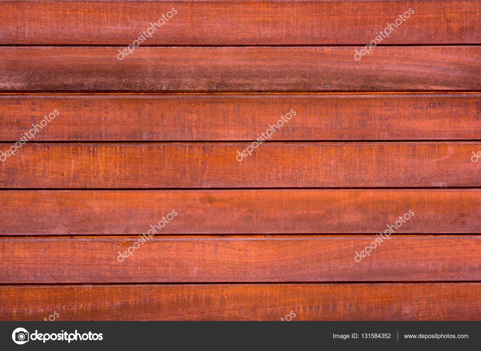 Cerca de la pared hecha de tablones de madera foto de for Tablones de madera precios