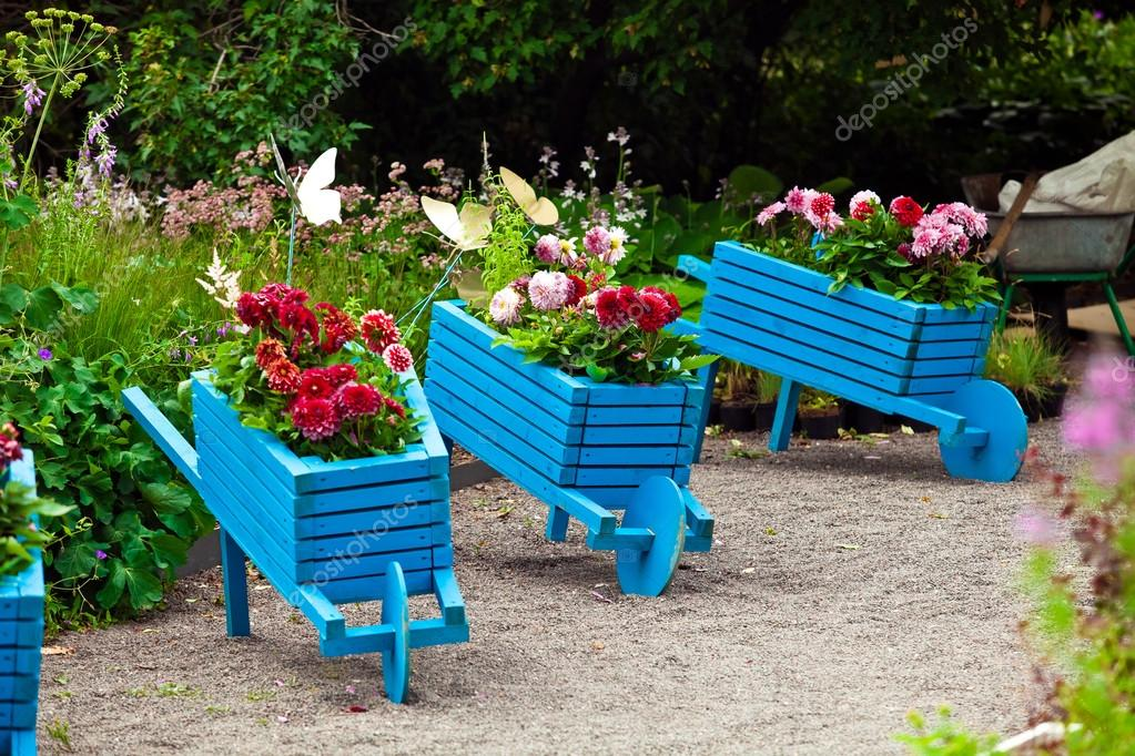 Elementos De Diseno De Jardines Paisajismo Fotos De Stock - Paisajismo-jardines