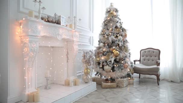Interno classico bianco di Natale e Capodanno