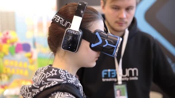 virtual reality in museums using hmd essay • freud wrote an essay in 1919 arguing that the origin of the uncanny is the loss of one's eyes if you are covering a person's eyes with an hmd, no wonder it brings up feelings of strangeness.