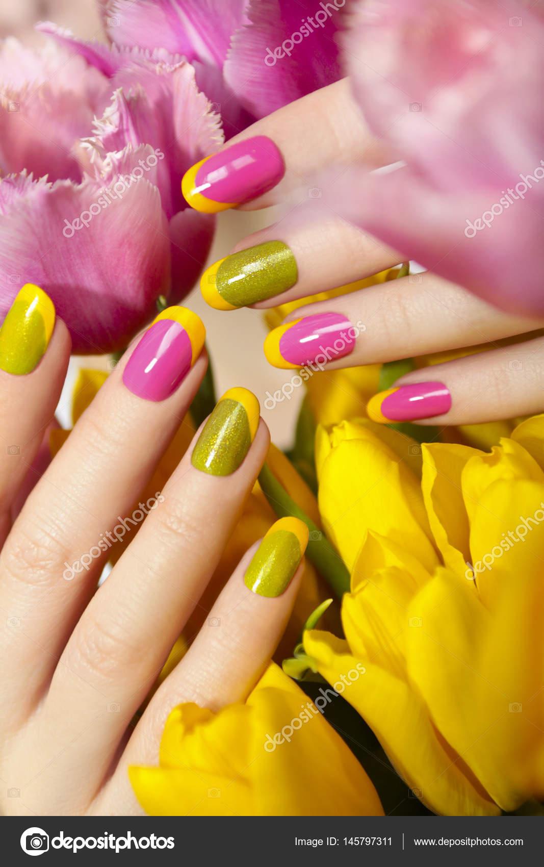 Yellow green French manicure. — Stock Photo © marigo #145797311