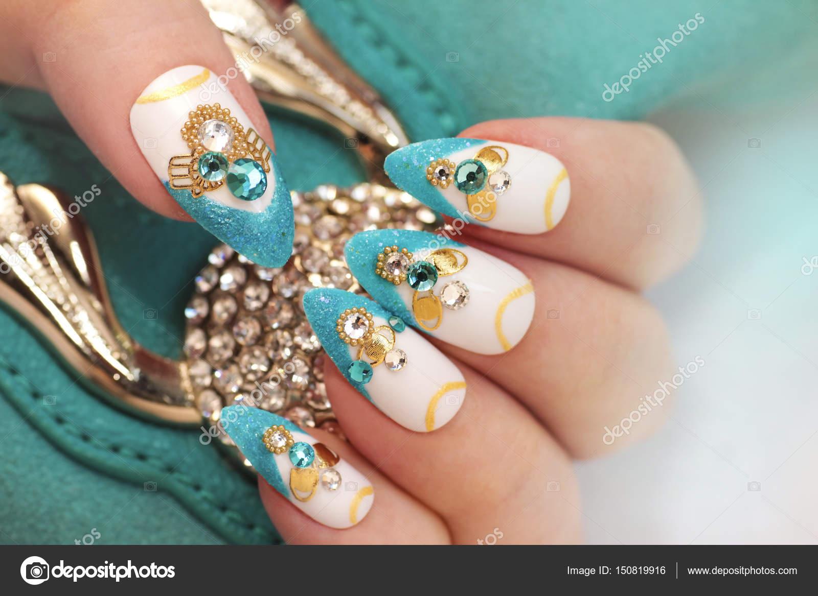 Luxuriöse glamourösen sandigen blauen French manicure — Stockfoto ...