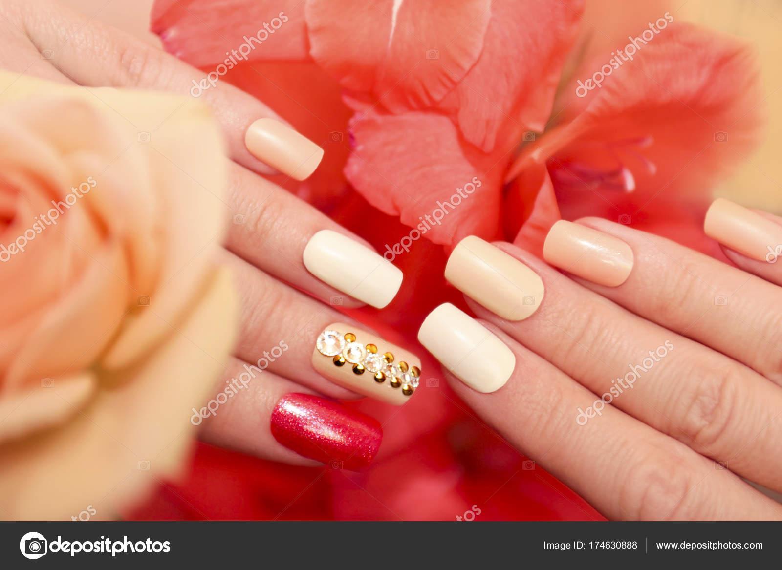 Square oval nails. — Stock Photo © marigo #174630888