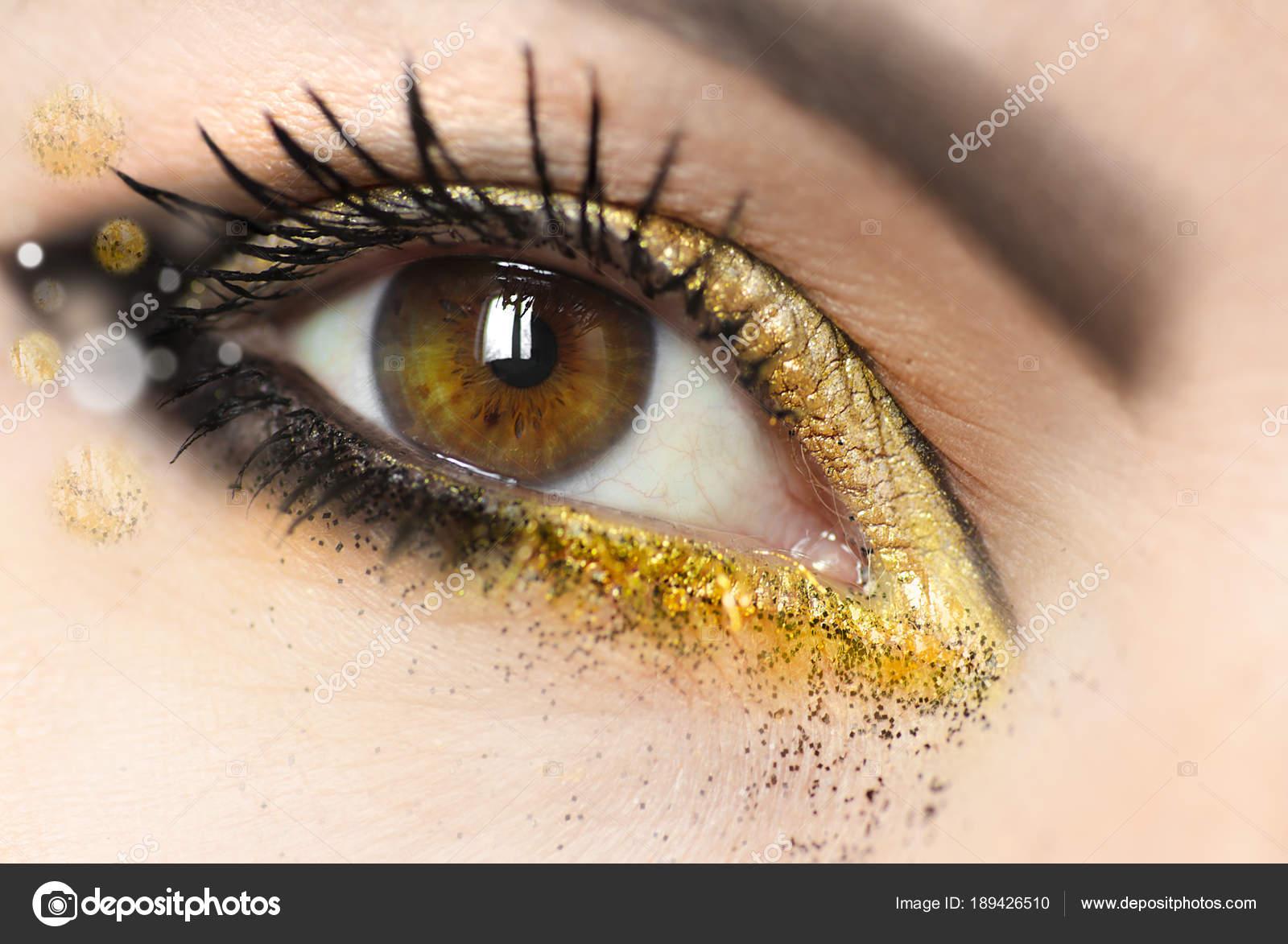 Kobiet Makijaż Brązowy Zielone Oczy Złoty Cień Powiek Ciemnego