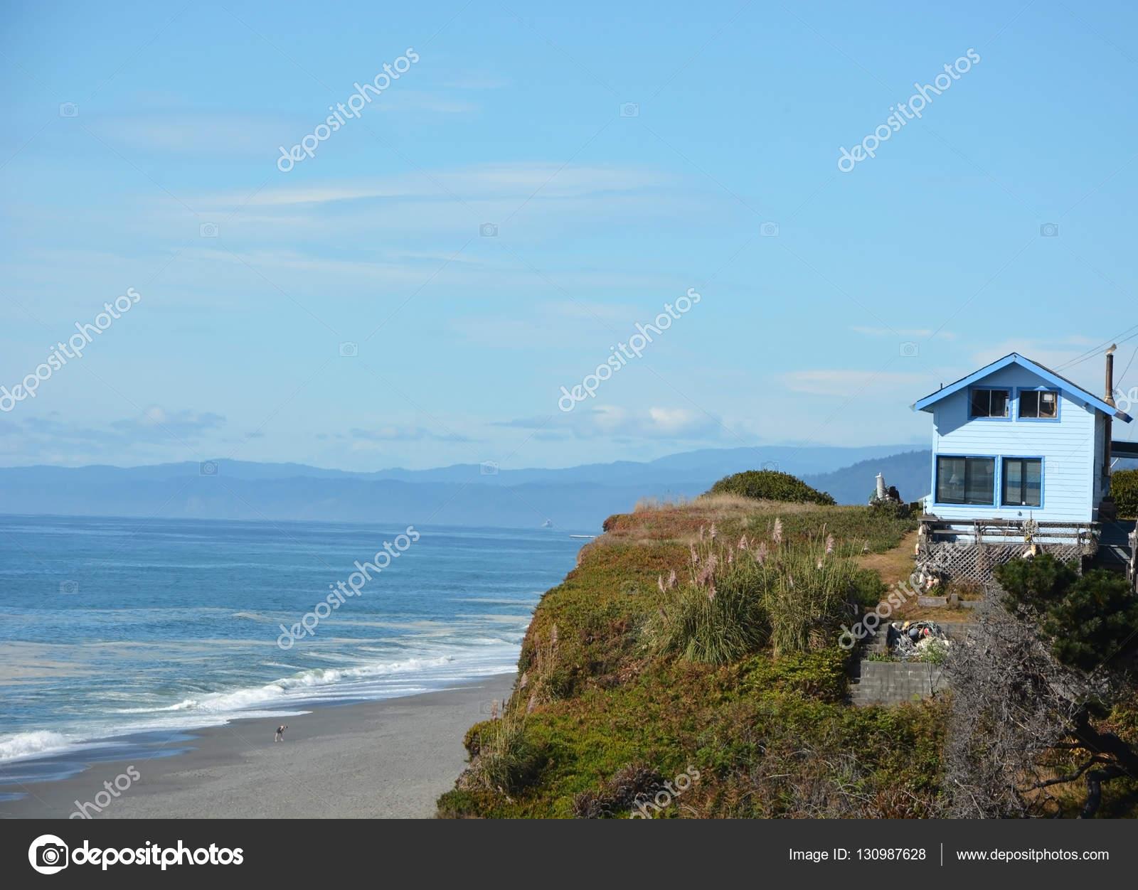 Vieille Maison En Bois Au Bord De L Ocean Pacifique Photographie
