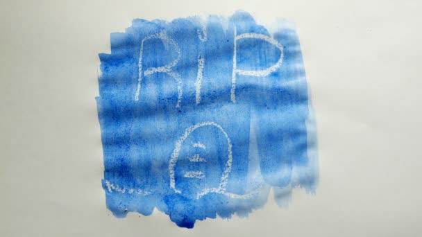rippen Grab Text Inschrift Aquarell Künstler malt Schandfleck isoliert auf weißem Hintergrund Kunst Video