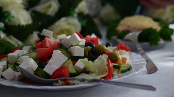 salát s olivami a sýrem zelené zdravé snídaně restaurace Video