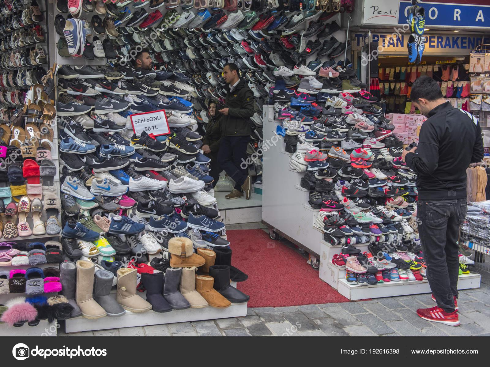 3416cacfdef2 Turkey Istanbul 2018 Various Sneakers Sale Turkish Market — Stock Photo