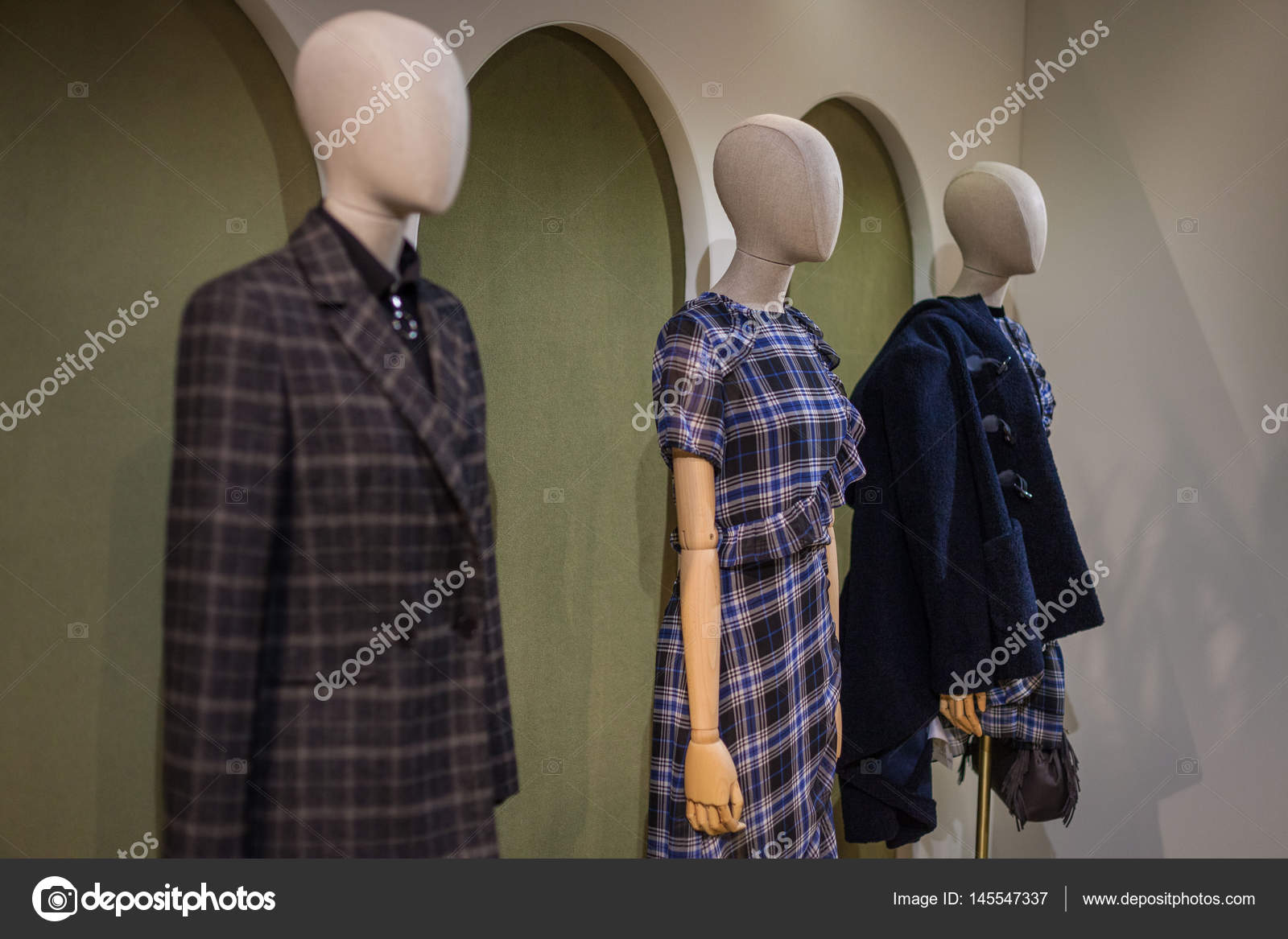 682b333a3 Fashion Presentation on MAJE in Patis – Stock Editorial Photo ...