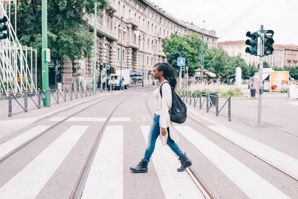 black woman outdoor in city