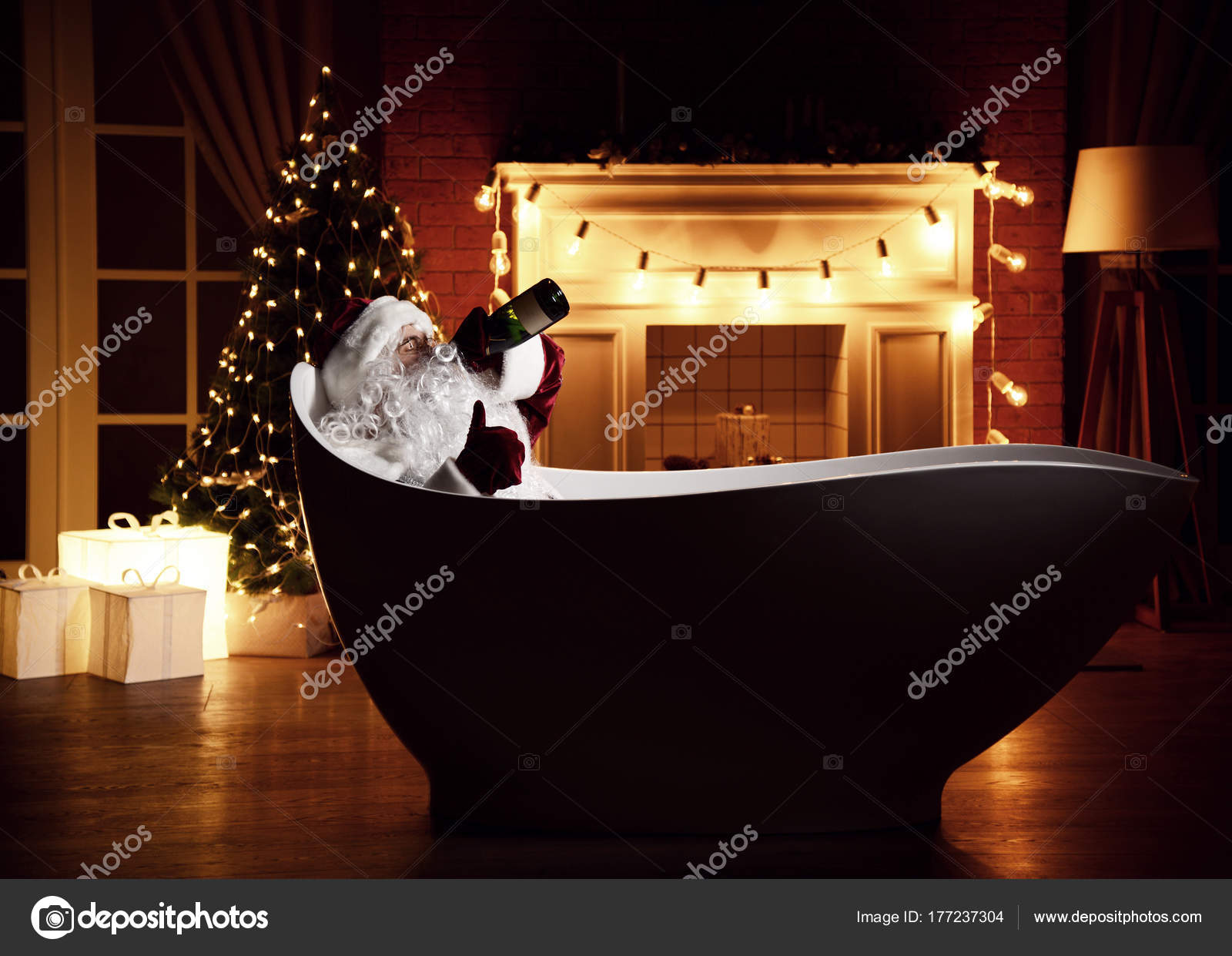 Vasca Da Bagno Bassa : Babbo natale difettoso che si trova nella vasca da bagno sopra