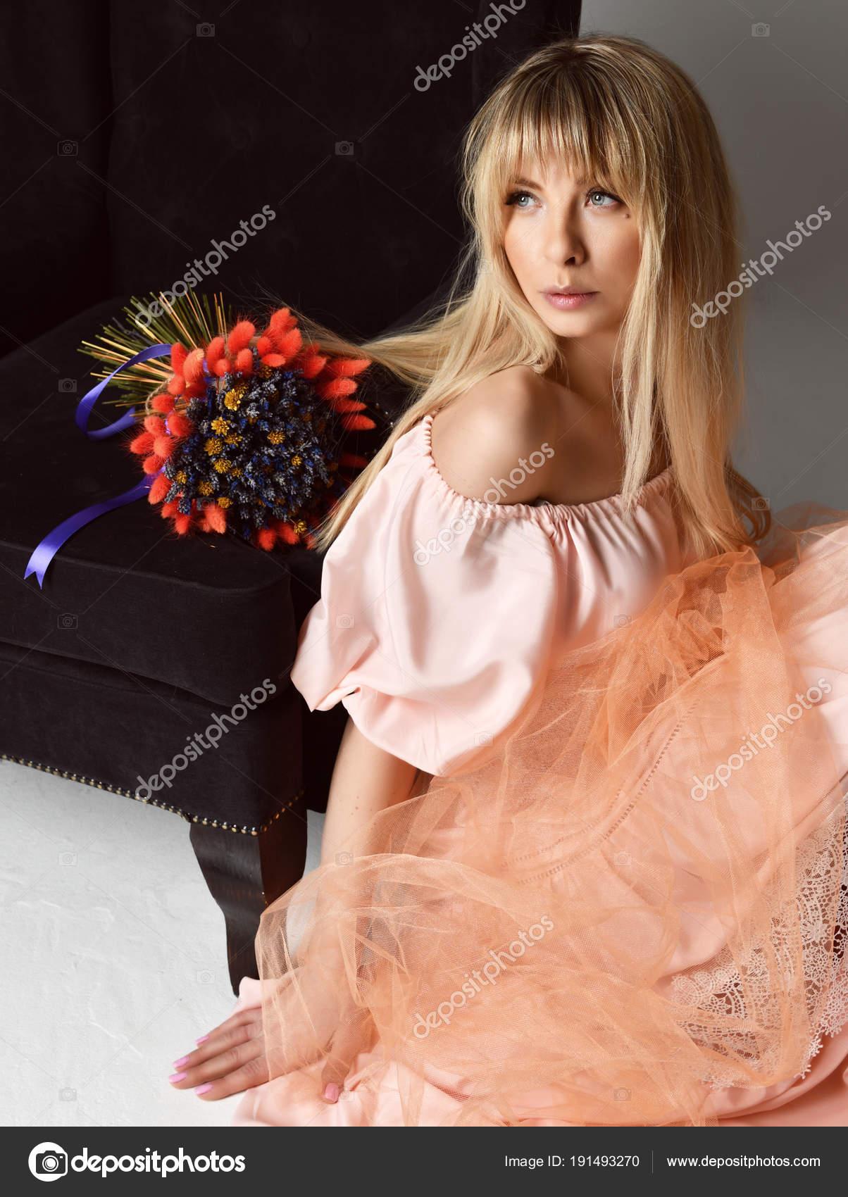 Домашние фотографии красивые блондинки