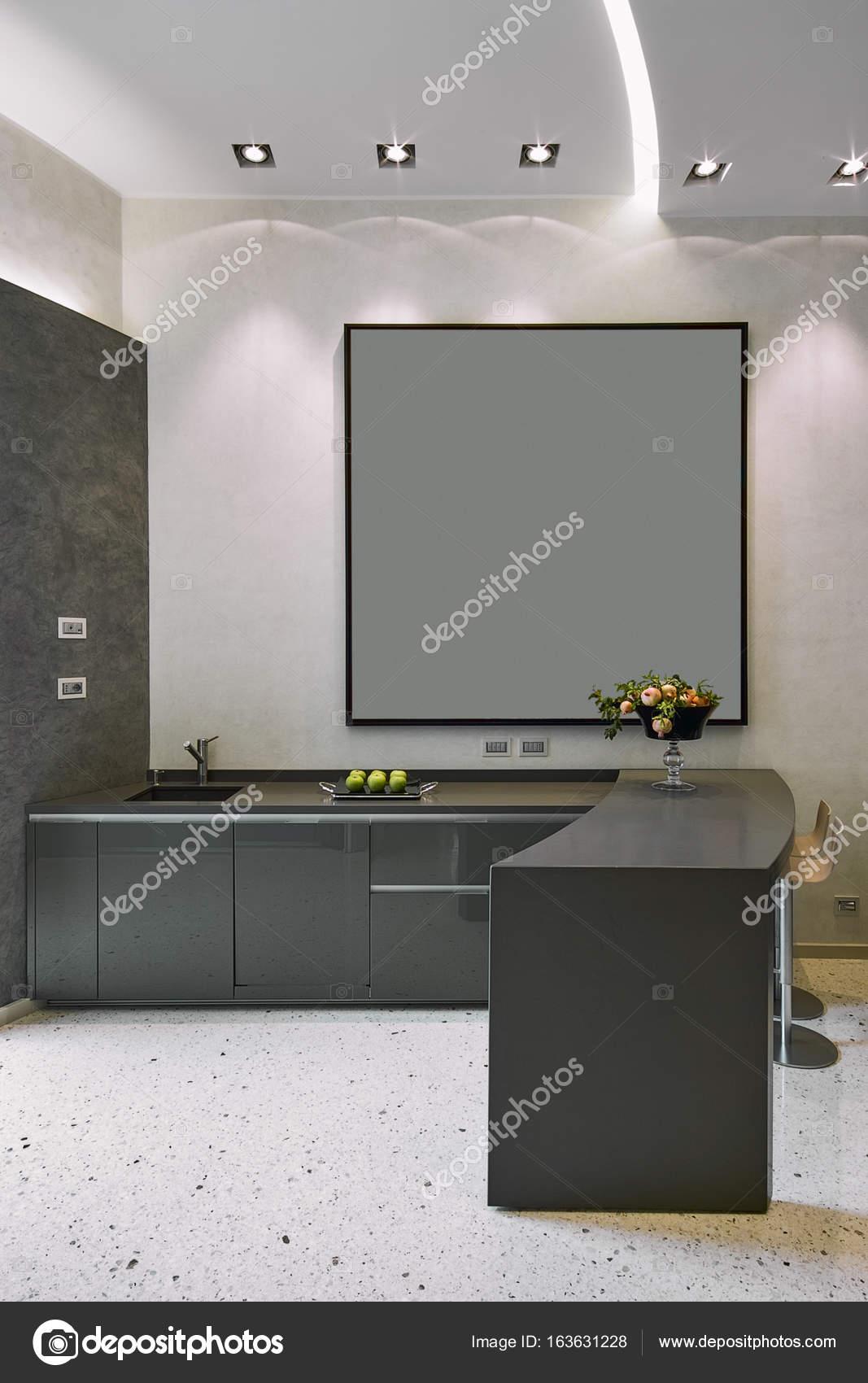 Interieur Aufnahmen einer modernen grau lackierte Küche — Stockfoto ...