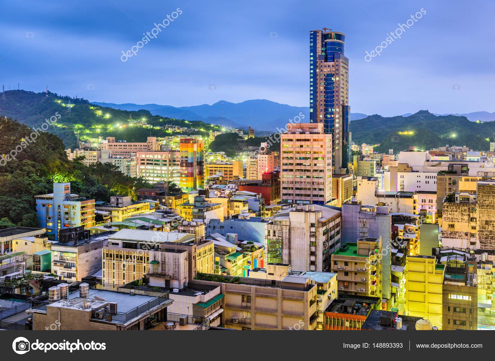 台湾・基隆市のスカイライン — ...