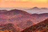 Blue Ridge Mountains v podzimní sezóně