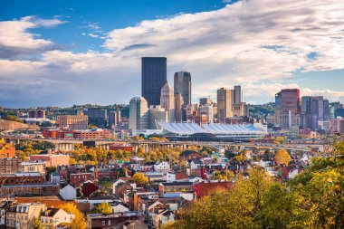 Pittsburgh, Pennsylvania, USA skyline from the hills.