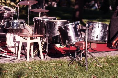 Percussion on the street before the concert, apply a filter