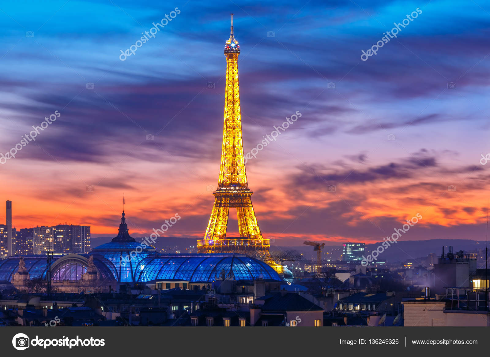 Pictures Eiffel Tower Sunset Shimmering Eiffel Tower At Sunset In Paris France Stock Editorial Photo C Olgacov 136249326