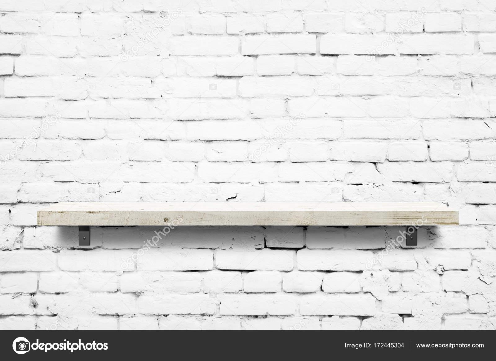 Etagere Sur Mur En Brique wooden shelf over white brick wall background — stock photo