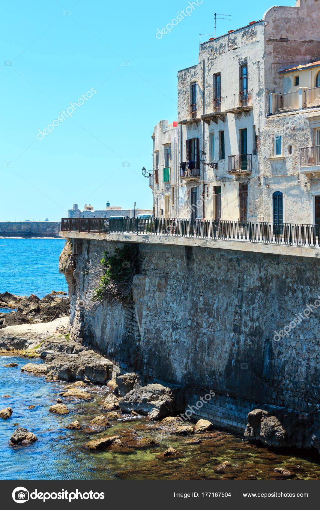 Ortigia küste, syrakus, sizilien, italien. — Stockfoto ...