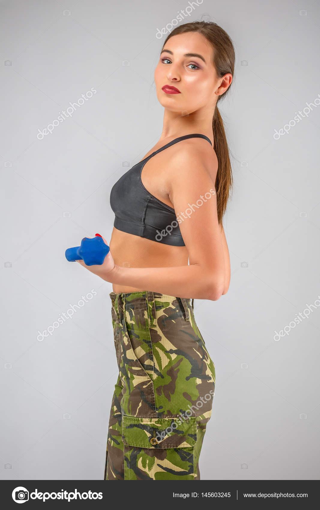 militärische nackte Frauen