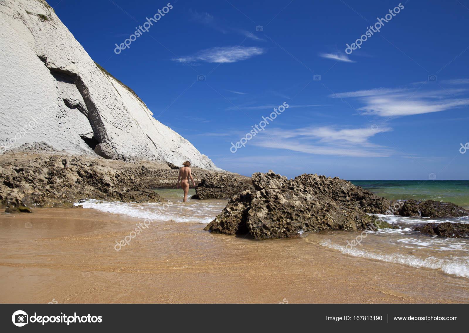 фото нудистов на море