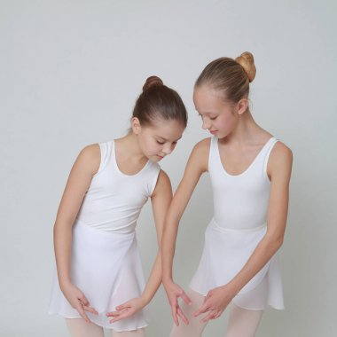 Lovely teen ballerinas and new pointes (ballerinas shoes)