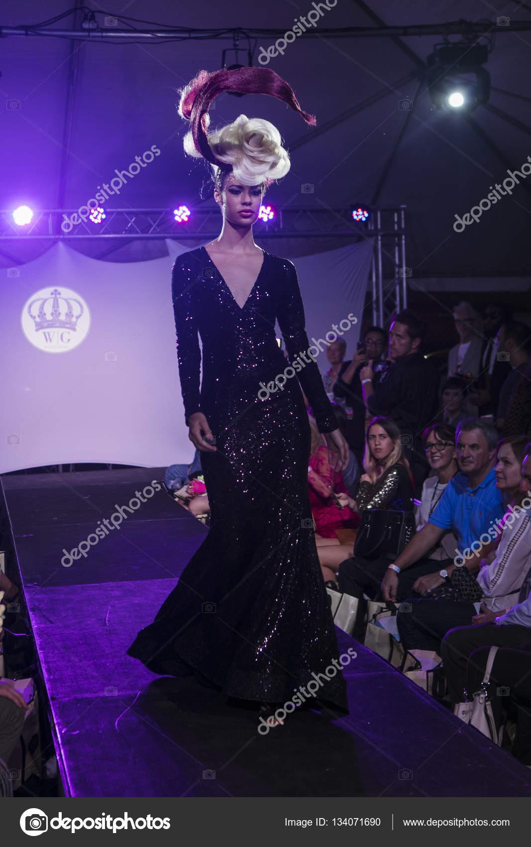 Wilfredo Gerardo fashion Show durante arte corazones moda arte ...