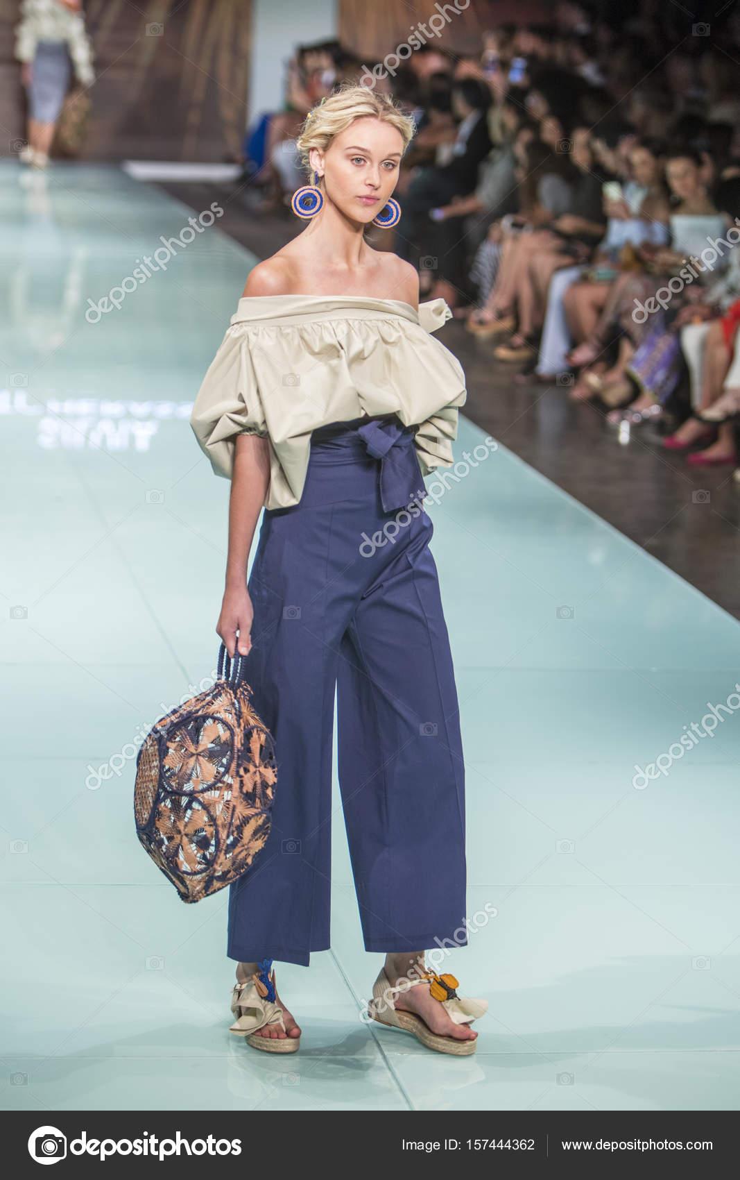 Silvia Tcherassi Fashion Show Resort 2017 – Stock Editorial Photo ...