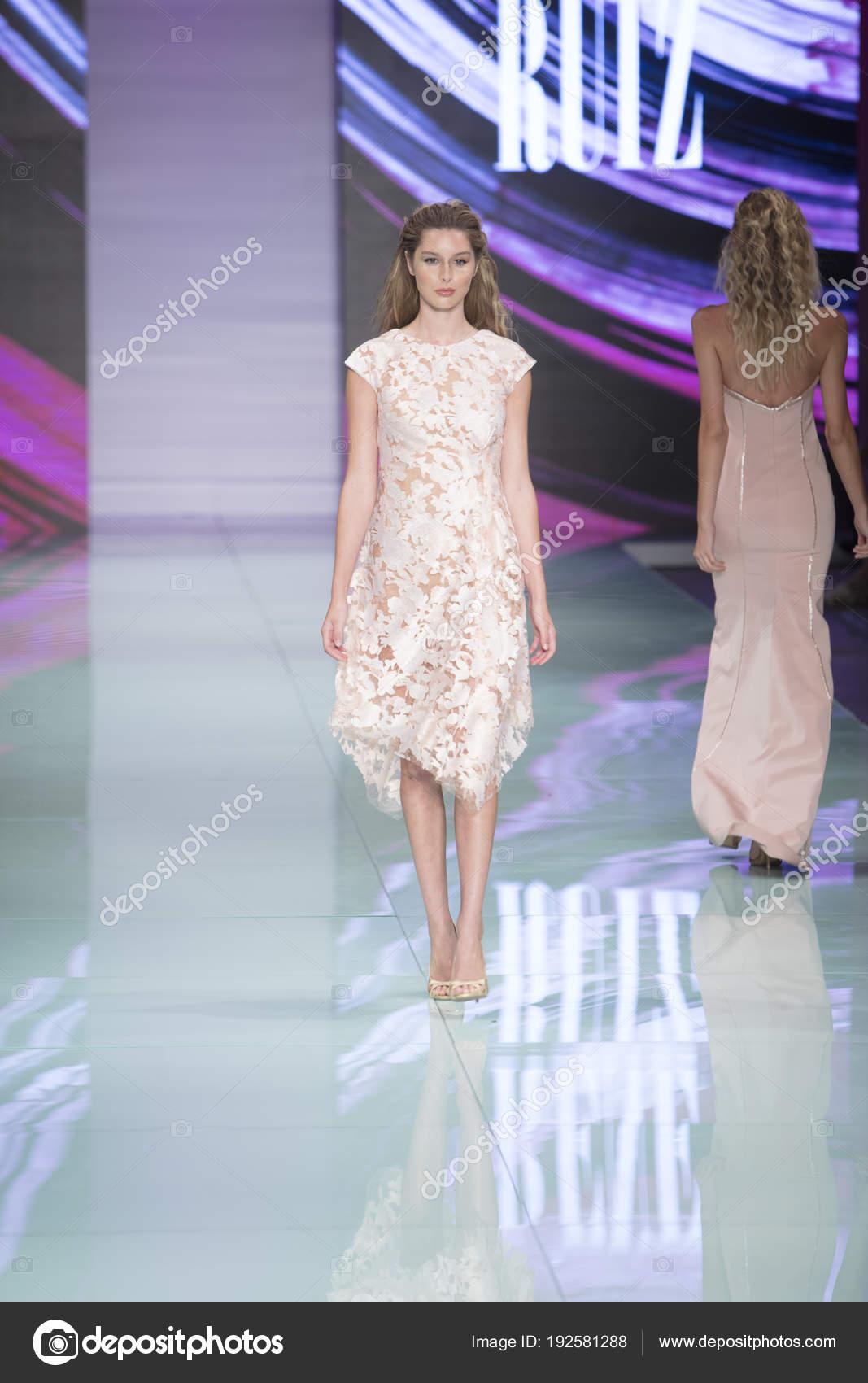 Model Walks Runway Rene Ruiz Fashion Show Resort 2018 Collection ...