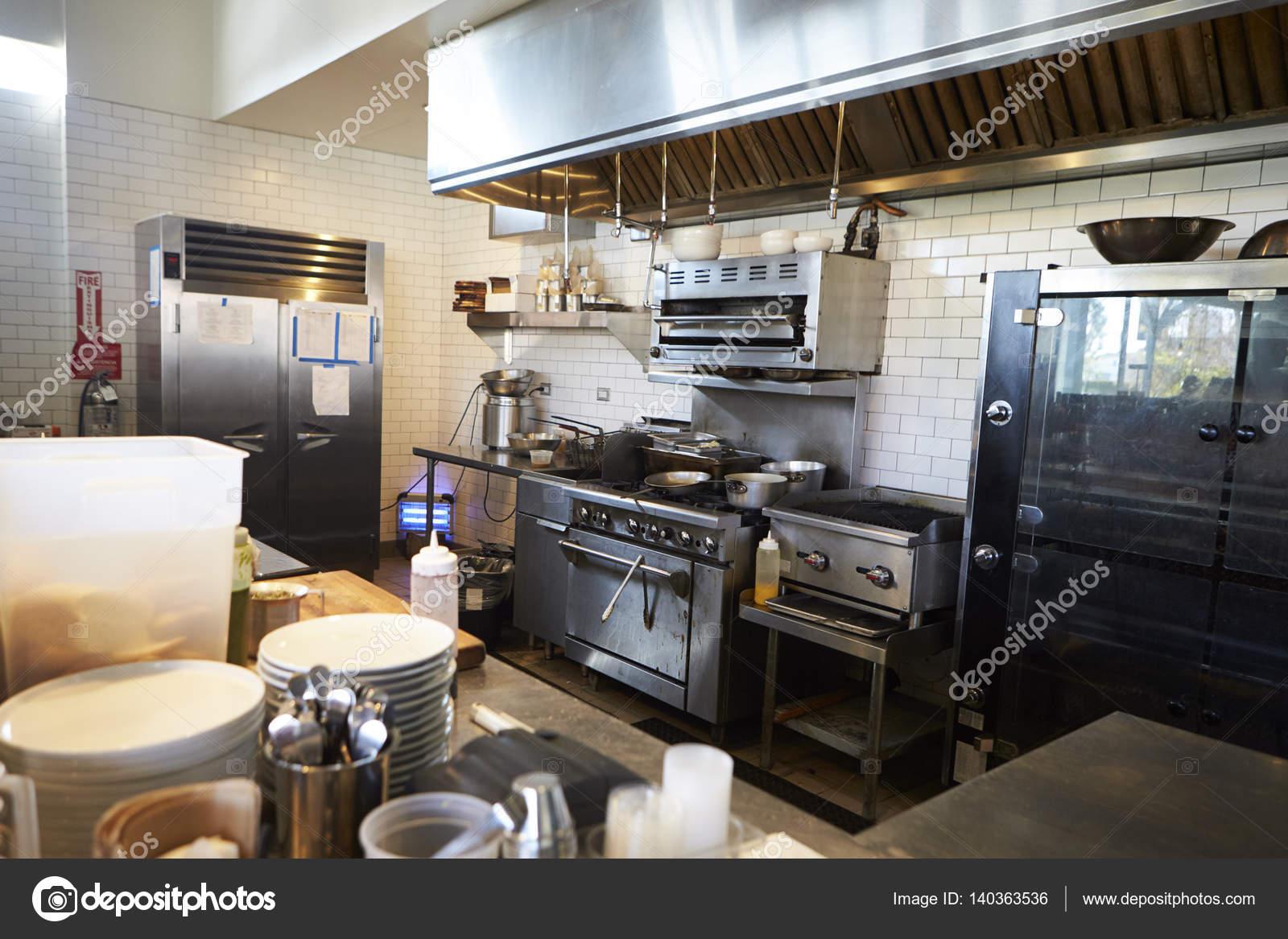 Üres konyha-étterem — Stock Fotó © monkeybusiness #140363536
