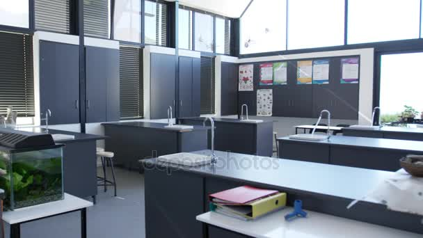 Modern Science Classroom ~ Modern science classroom in a high school — stock video