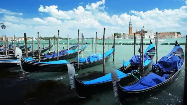 Ostrov San Giorgio Maggiore z náměstí San Marco v Benátkách