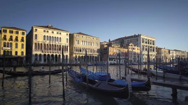 gondoly v Benátkách, Itálie