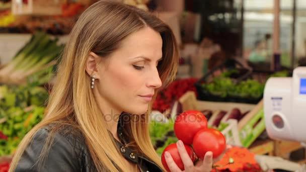 Gyümölcs és zöldség-piac