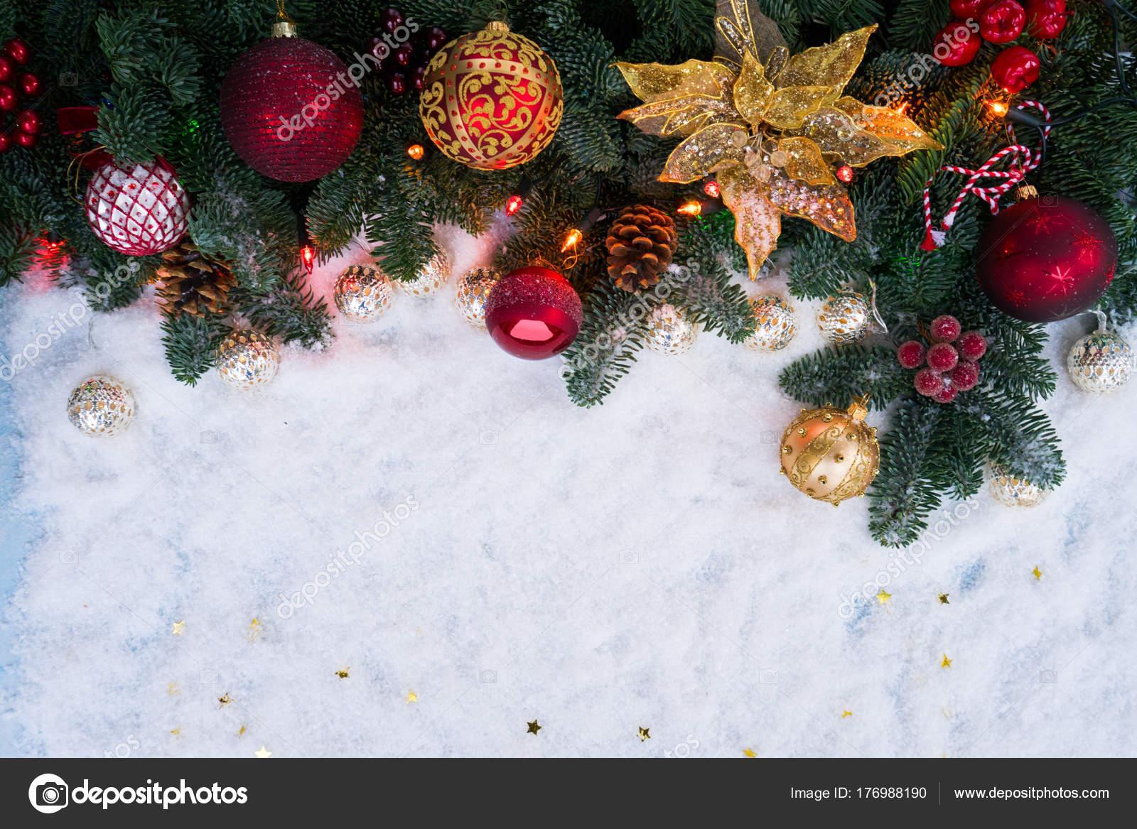 Weihnachtsszene mit Schnee — Stockfoto © Neirfys #176988190