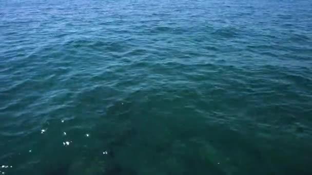 čistá mořská voda