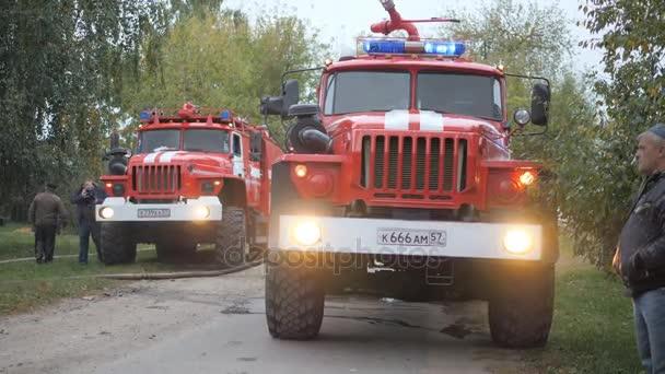 Efremovskay street, princi, Rusko, 2017.05.10. Redakční - katastrofa. Požár kamionu práce na oheň