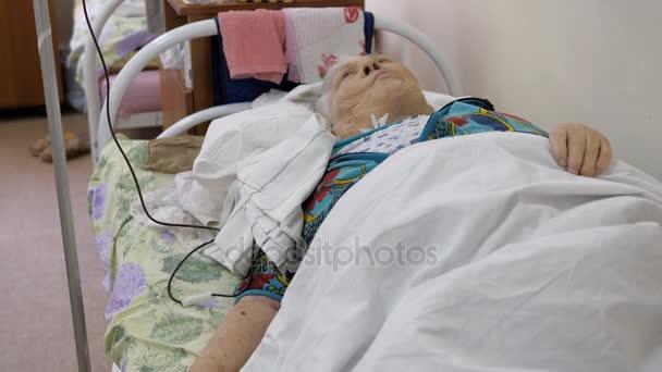 Nemocnice, odkapávací s krví