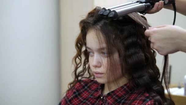 Péče o vlasy. Tepelné ošetření vlasových pramenů.