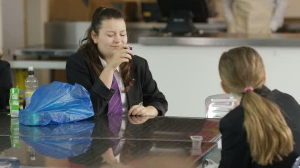 školní děti jíst děti jíst